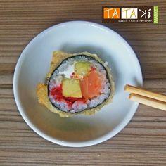 Pequeño placer de la vida... Tataki tempura roll #Tataki #Sushi #Food #FoodPorn #Caracas #LaTrinidad by tatakimarket
