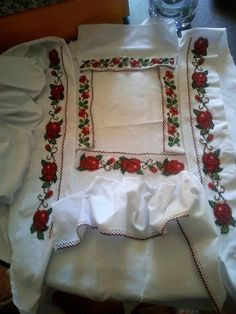 Cross Stitch, Traditional, Romania, Amy, Crafts, Embroidered Blouse, Bed Covers, Punto De Cruz, Tejidos