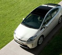 Toyota Prius 2015 lower consumption for the hybrid car