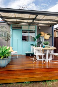 From stunning colour palette schemes, expert tips, and design inspiration, here's everything you need to know about creating an outdoor entertaining area just in time for summer. Outdoor Spaces, Outdoor Living, Outdoor Decor, Outdoor Furniture, Most Comfortable Sheets, Bedroom Colour Palette, Outdoor Gardens, Outdoor Plants, Decorating Blogs