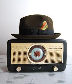 vintage radio & hat !!!!!!!!!!!!!!!!!!!!!!!!!!!!!!!!!!!!