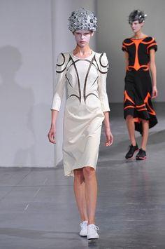 [No.12/67] JUNYA WATANABE COMME des GARÇONS 2013春夏コレクション | Fashionsnap.com