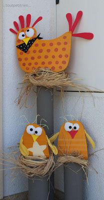 Hausdekoration im Freien: Weihnachten Ostern Halloween Site de toutpetitrien! Office Christmas Decorations, House Decorations, Diy And Crafts, Crafts For Kids, Chicken Crafts, Chicken Painting, Easter Pictures, Paper Birds, Easter Holidays