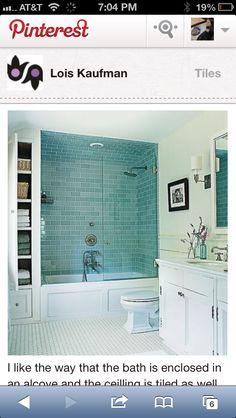 Glass tile backsplash for bathroom tub