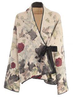 Antonio Marras Sweater In Vunica Mode Kimono, Kimono Jacket, Kimono Style Dress, Batik Fashion, Antonio Marras, Mode Chic, Mode Inspiration, Sewing Clothes, Fashion Outfits