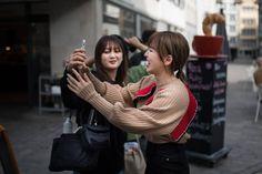 Korean superstars Red Velvet discover the Swiss city of St.Gallen: «We feel free here Red Velvet Band, South Korean Girls, Korean Girl Groups, Nicole Kara, Superstar, Star Wars, Wendy Red Velvet, K Pop Star, Kpop