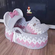 Tammy Roberts's media content and analytics Baby Afghan Crochet Patterns, Crochet Basket Pattern, Baby Patterns, Knitting Room, Baby Knitting, Crochet Art, Free Crochet, Baby Diy Projects, Baby Baskets