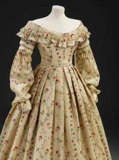 Printed Challis Dress, The Victoria & Albert Museum 1800s Fashion, 19th Century Fashion, Victorian Fashion, Victorian Dresses, Steampunk Fashion, Vintage Fashion, Victorian Gothic, Gothic Lolita, 17th Century