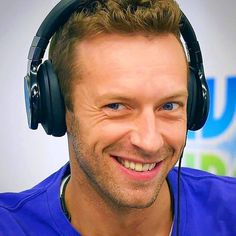 Chris Martin has THE most stunning eyes.