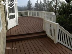 Nice, wide step-down transition to lower deck and then to stairs.