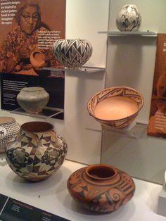awesome Native American pottery Native American Baskets, Native American Artwork, Native American Pottery, American Indian Art, Native American Indians, Native Americans, Pottery Studio, Pottery Art, Navajo Art
