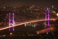 Boğaziçi Köprüsü şu şehirde: İstanbul, İstanbul