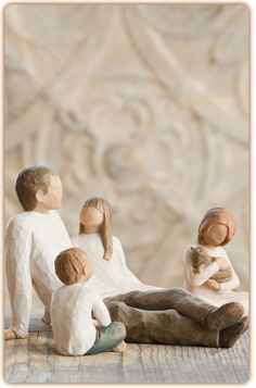 Willow Tree Love of Learning Figurine Open books, open minds. - All Figurines - Willow Tree (Crusader Gifts) Willow Tree Family, Willow Tree Wedding, Willow Tree Figures, Willow Tree Angels, Tree Design On Wall, Bonsai Tree Tattoos, Happy Fathers Day Daddy, Tree Silhouette, How To Pose