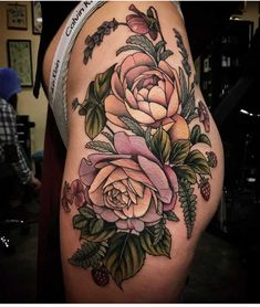 Popular And Sexy Floral Hip Tattoo Designs; Flower Hip Tattoos, Hip Thigh Tattoos, Floral Thigh Tattoos, Hip Tattoos Women, Rose Tattoos, Black Tattoos, Body Art Tattoos, Tattoo Flowers, Tattoo Floral