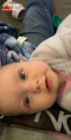 It's the simplest things that make you smile💕 So Cute Baby, Cute Funny Babies, Baby Kind, Cute Kids, Funny Videos For Kids, Cute Baby Videos, Baby Dome, Laughing Baby, Cute Babies Photography