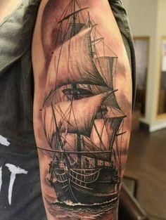 Tatuajes de barcos en el brazo Life Tattoos, Body Art Tattoos, Tattoos For Guys, Cool Tattoos, Pirate Ship Tattoos, Pirate Tattoo, Sea Tattoo, Type Tattoo, Nautical Tattoo Sleeve