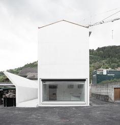 House in Laax / Valerio Olgiati Alpine Modern, Kitchen Appliances, Architecture, House, Diy Kitchen Appliances, Arquitetura, Home Appliances, Home, Kitchen Gadgets