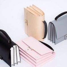 PB 0110 Makes Handbags That You Will Carry Forever