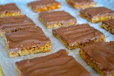 Sega havrerutor med choklad - Fika, Dessert Recipes, Desserts, Christmas Baking, Food And Drink, Vegetarian, Sweets, Snacks, Cookies