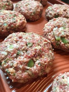 Hamburger is my favorite dish. Let's me guess, you're also one of the big hamburger fans, right? Whether yes or not, with the hamburger recipes in this post, you will quickly fall in love them. All of their taste are so great! Hamburger Dishes, Hamburger Meat Recipes, Pork Dishes, Pork Recipes, Cooking Recipes, Hamburger Ideas, Hamburger Patties, Meatball Recipes, Gourmet