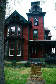 Cool Really cool idea to paint your house – Victorian gothic red and black The post Really cool idea to paint your house – Victorian gothic red and black… appeared first on Migno Decor .
