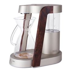 Ratio Eight Coffee Machine Yes! A coffee maker can be nice to look at! Wish I could afford it...$480! #CoffeeMaker