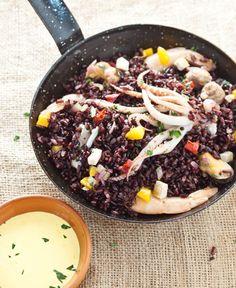 http://www.risogallo.it/ricette/paella-di-riso-venere-con-salsa-allo-zafferano/