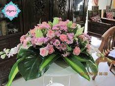 Afbeeldingsresultaat voor large flower arrangements