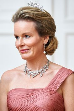 Wolfers tiara that used to belong to Queen Fabiola -- Queen Mathilde of Belgium attends the official dinner at Presidential Palace as part of official Royal visit in Poland on October 13, 2015 in Warsaw, Poland.