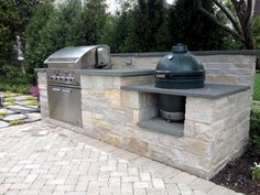 30 Gorgeous Outdoor Kitchen and Grill for Summer Backyard Ideas Big Green Egg Outdoor Kitchen, Outdoor Kitchen Patio, Backyard Kitchen, Summer Kitchen, Outdoor Kitchen Design, Backyard Patio, Backyard Landscaping, Outdoor Living, Outdoor Decor