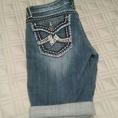 Miss me cropped shorts Love these, sad they were too small! Reposh, perfect condition!! Miss Me Shorts Bermudas