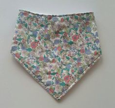 Check out this item in my Etsy shop https://www.etsy.com/au/listing/536180445/floral-bandana-baby-bib-cotton-print