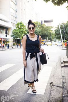 Look Fashion, Spring Outfits, Ideias Fashion, Your Style, Trousers, Street Style, Chic, Skirts, How To Wear