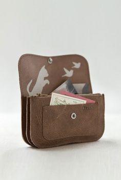 Keecie Cat Chase Medium wallet   wallets for women   handmade wallet   leather wallet   portemonnee leer   womens fashion accessories   Keecie.nl