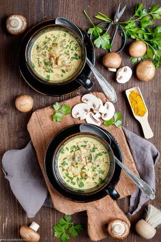 Champignon-Suppe ganz einfach und schnell gemacht Mushroom Soup with Curry Mushroom Soup, Mushroom Recipes, Healthy Eating Tips, Healthy Nutrition, Vegetable Dishes, Casserole Dishes, Meat Recipes, Food Network Recipes, Stuffed Mushrooms