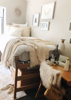 home decor bedroom dorm room designs, cozy Dressing Design, Dorm Room Designs, Bedroom Designs, Cute Dorm Rooms, Dorm Room Themes, College Dorm Rooms, Dorm Room Closet, College Dorm Decorations, Ucf Dorm