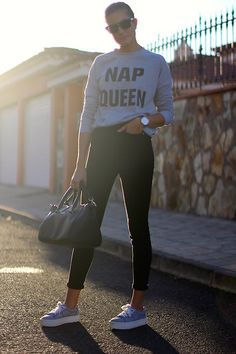 COMO COMBINAR SUDADERAS. Estilo deportivo para diario: http://www.marilynsclosetblog.com/2017/12/nap-queen.html MORE ABOUT THIS LOOK #look #outfit #sporty #napqueen  #casual #minimal #sporty