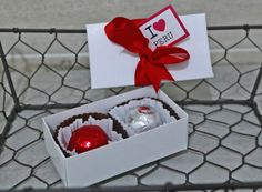 chocolates-para-fiestas-patrias-para-empresas-lima-peru Explosion Box, Chocolates, Peru, Container, Gift Wrapping, Classroom, Gifts, Ideas, Couples