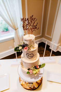 Star Wars Wedding Cake, Themed Wedding Cakes, Wedding Cupcakes, Themed Cakes, Wedding Cake Toppers, Star Wars Cake Toppers, Quirky Wedding, Dream Wedding, Wedding Stuff