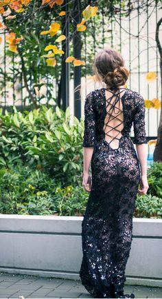 I've Got Sunshine ☀️ | Style and Travel Blogger - Open back sequin lace dress