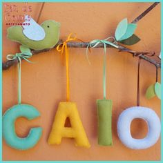 Galho Porta de Maternidade Passarinhos - Faz de Conta Artesanato e Decoração Christmas Ornaments, Holiday Decor, Baby, Tree Branches, Wire Crafts, Shower Baby, Baby Going Home Outfit, Cool Ideas, Limes