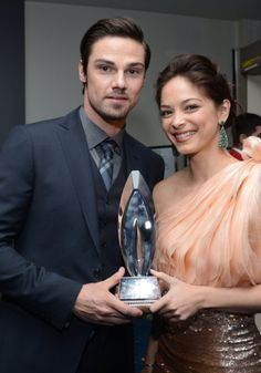 Kristin Kreuk and Jay Ryan at event of The 39th Annual People's Choice Awards (2013)