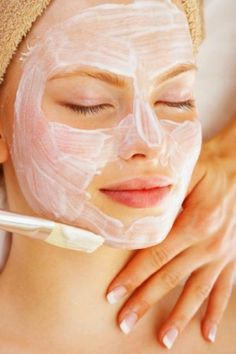 DIY Skin Care Recipes : Add this to your routine! Mix 1 Tbsp of honey, 1 egg white, lemon juice, and 3 drops of olive oil. Apply to your face and leave on for 20 min. Rinse with cold water. mask right from your kitchen! Skin Tips, Skin Care Tips, Beauty Secrets, Beauty Hacks, Beauty Tips, Beauty Products, Beauty Skin, Hair Beauty, Pele Natural