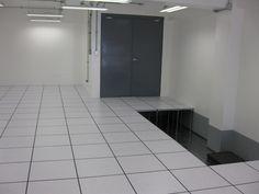 área lista para recibir la base metálica antisísmica como soporte de equipos de AA