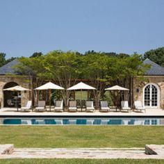 I love rectangular pools
