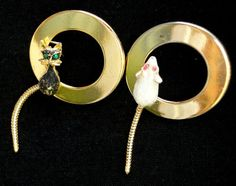 Vintage Brooch Scatter Pin Pair of an Enamel Cat & Mouse on Gold Tone Rings & Moving Snake Chain Tails Rhinestone Eyes