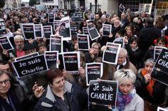 Attentat à Charlie Hebdo, les photos : Manifestation en hommage aux victimes de la tuerie à Charlie Hebdo, le 8 janvier 2015 à Tarbes