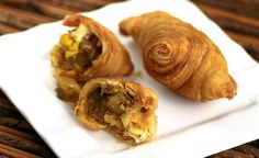 Chef Amy Beh shares three recipes for curry puffs, Food News & Top Stories - The Straits Times Curry Recipes, New Recipes, Healthy Recipes, Tea Time Snacks, Party Snacks, Healthy Foods To Eat, Healthy Smoothies, Curry Puff Recipe, Malaysian Curry