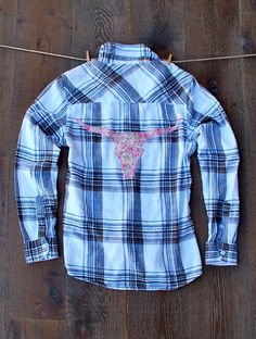 This darling flannel shirt is sure to dazzle your friends.    Boyfriend Flannel - Size Small - Pre-owned Mens Flannel (upcycled mens flannel)