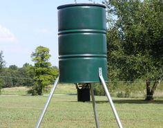 Barrel Project Photo's - 55 gallon plastic drum projects - 55 gallon metal drum projects - bbq grill - Ugly drum smokers - Rain Barrels - Composters - Dear Feeders - Drum Smoker - Floating Docks - Floating Rafts - Water Storage - Wood Stoves.